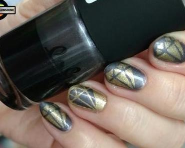 [Nails] NailArt-Dienstag: DIAMANTEN mit CATRICE lala BERLIN C01 Shade of Grey & essie 441 GETTING GROOVY