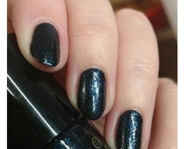 [Nails] Lacke in Farbe ... und bunt! MARINEBLAU mit essence The Twilight Saga Breaking Dawn Part 2 - 01 Jacob's Protection