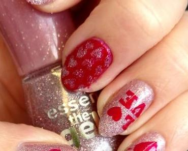 [Nails] NailArt-Dienstag: Love Is In The Air mit essence 86 my sparkling darling & trend IT UP the metallics 030