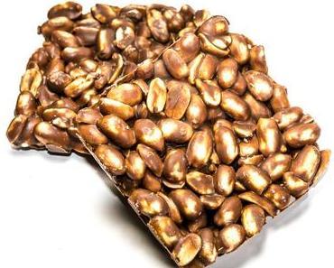 Tag der Erdnuss Cluster in den USA – der amerikanische National Peanut Cluster Day