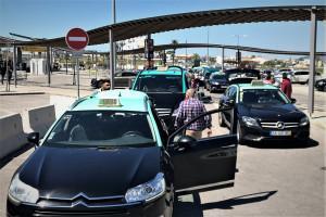 Vom Flughafen Faro zur Unterkunft: Mietwagen, Taxi, Bus oder Zug nehmen?