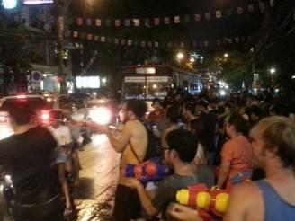 Songkran – Thailands Wasserfest, das auch eine Wasserschlacht ist