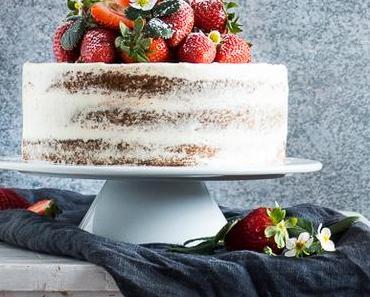 Erdbeer-Vanille-Holunderblüte naked Cake { enthält Werbung für Aurora Mehl }