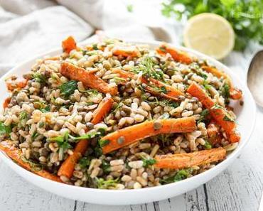 Orientalischer Linsensalat mit gerösteten Karotten und Dinkel