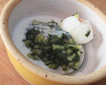 Blattspinat-Kartoffel-Stampf mit Ei und Buttermilch-Topping