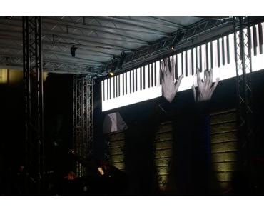 Chilly Gonzales spielt eine Hommage an Chris Cornell