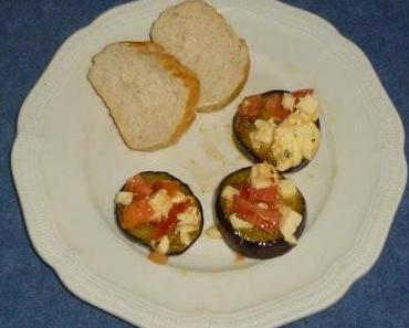 Auberginentaler mit Mozzarella und Tomate