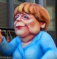 Die Wendehalspolitik Merkels funktioniert und die SPD setzt nichts dagegen, aber auch die AfD leidet darunter
