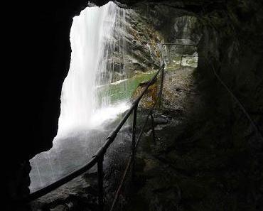 Die Melchiors und ihr Wasserfall