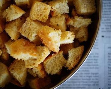 Altes Brot verwerten: Brot-Croûtons