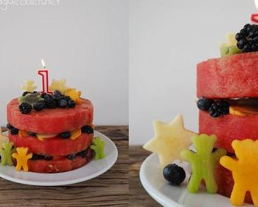 Mehrstöckige Wassermelonentorte zum ersten Geburtstag