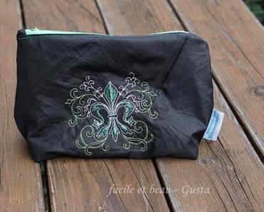 Französische Lilie auf Regenschirm-Tasche