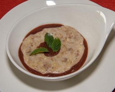 Reispudding mit Nussraspeln und Fruchtmus (vegan)