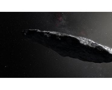 Der interstellare Asteroid `Oumuamua ist lang und rot