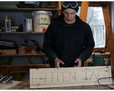 Ein Schild mit der Oberfräse in 30 Minuten bauen (Schritt-für-Schritt Anleitung)