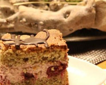 Kirsch-Torte mit Mandelbiskuit