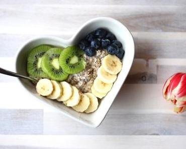 Mohn-Vanille-Porridge und ein Lebenszeichen