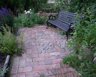 Natursteine beleben den Garten