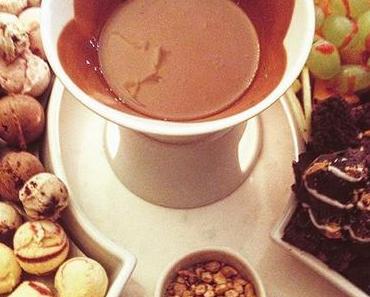 Wenn schon kalt, dann aber richtig! | #berlin #berlinspiriert #places #hagendazs #icecream #foodporn #latergram #youreascoldasice #ice #icecream #fondue #& #irishcoffee #kudamm #potd #igers #foodlove #yummi