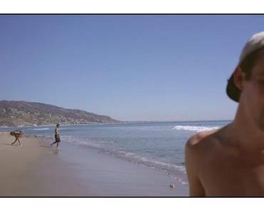 """Henning May singt """"Mercedes Benz"""" von Janis Joplin am Strand von L.A."""
