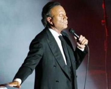 Julio Iglesias in Barcelona, I love you I hate you