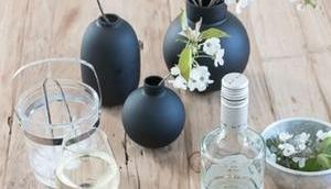 elegantes Tablett 10-jährigen Markenjubiläum Bree Wein