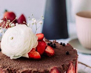 Schokomousse-Erdbeer Torte – zum Muttertag oder für Tage, die nach Erdbeeren und Schoko verlangen
