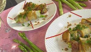 Hähnchenbrust (und Spargel) Brotmantel