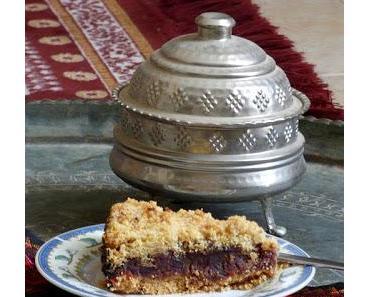 Dattel-Streuselkuchen mit Grieß und Nüssen - Gilacgi