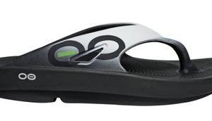 Regeneration Läufer verbessern. OOFOS Sandale Test müde Beine