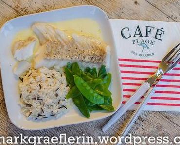 Freitagsfisch: Gebratenes Kabeljaufilet mit Zitronensauce, Reis und Zuckerschoten