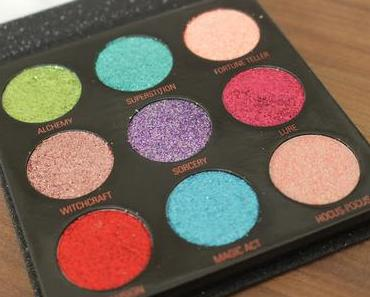 Makeup Revolution Pressed Glitter Palette Abracadabra Review und Swatches