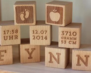 Geschenke-Tipp zur Geburt -Personalisierte Holzwürfel von Avie-Art + VERLOSUNG