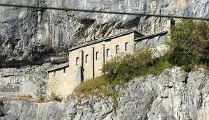 Gotteshaus Felswand