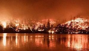 Kalifornien brennt beiden Enden