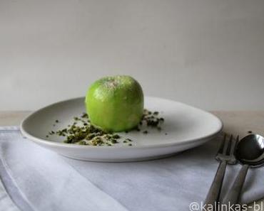 3D-Apfel aus Panna cotta mit Apfelkern