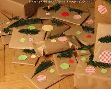 Geschenke verpacken mit Packpapier für Weihnachten