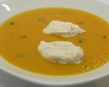Karottensuppe mit Räucherfischklösschen