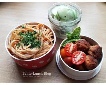 Bento #184: Spaghetti Napoli und Tofu-Seitan-Bällchen