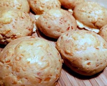Pão de queijo (brasilianische Käsebötchen) - schnell gemacht & mega lecker