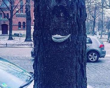 When it's cold outside, make sure to have love inside!👄💋| #berlinspiriert #blog #berlin #blogger #ig_berlincity #ig_berlin #igers #igersgermany #visitberlin #visit_berlin #igersberlin #berlin365 #berlinstagram #berlingram #urban #nature #art #let #the ...
