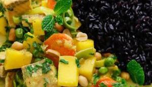 AROMATISCHES WUNDERCURRY REINLEGEN! Mango-Frühlingszwiebel-Curry Wildlachs Schwarzem Reis