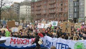 Hunderttausende protestieren besseren Klimaschutz