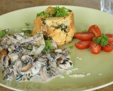 Mein vorösterliches Essen: Semmelknödel-Soufflé mit Pilz-Bärlauch-Sauce