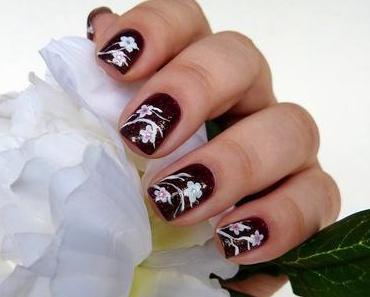 #FrischlackiertChallenge blumig - zarte Blüten im Dunkeln