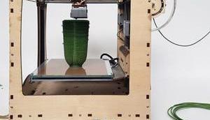 Second Nature Drucker verwandelt Plastikmüll Upcycling Design Produkte