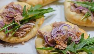 Freitagsfisch: Thunfisch-Pizzette Rucola Garten
