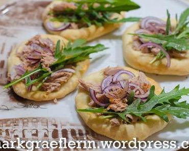 Freitagsfisch: Thunfisch-Pizzette mit Rucola aus dem Garten