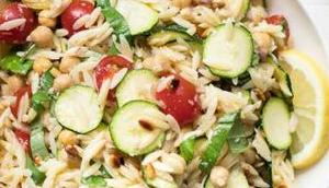 Orzo Salat (Nudelsalat) Zucchini Kichererbsen