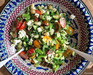 Griechischer Nudelsalat mit Paprika, Feta & Oliven